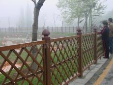 PVC仿木紋園林護欄