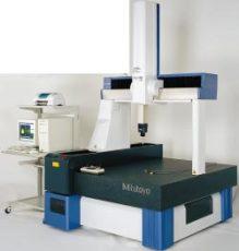 Crysta-Apex C 系列全自動三坐標測量機