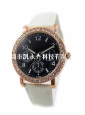 時尚皮帶系列 黑白時尚亮款石英手表