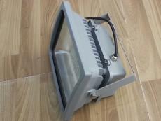 LED投光灯20--80W高光效贴片灯珠泛光灯侧面.jpg