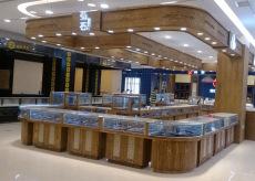 珠宝专卖店柜台