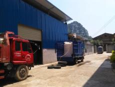 混凝土减水剂装车排队3