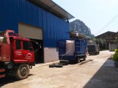 混凝土减水剂装车排队2