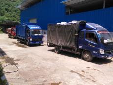 混凝土减水剂装车排队1