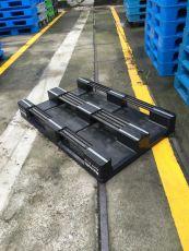 定制黑色塑料托盘 内置5根钢管