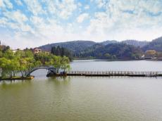 昆明周末哪里好玩推荐二龙湖民俗旅游度假区